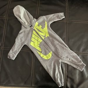 Nike One Piece Hooded